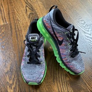 Women's Nike Flyknit Max-new without tags